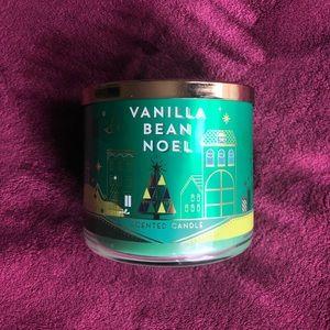 BBW Vanilla Bean Noel NEW 3 Wick Candle